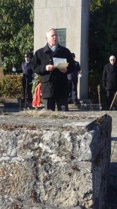 Lothar Wölke gedenkt der verstorbenen Mitglieder der SVL.